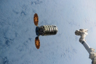 Cygnus arrival at ISS